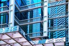 Czerepów drapacz chmur przy Raffles miejscem w centrum finansowym Singapur obraz stock
