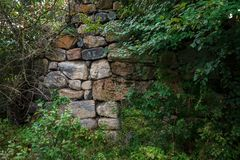 Czerep ściana, opuszczać od antycznej świątyni fotografia royalty free