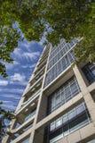 Czerep nowożytny budynek z Bauhaus stylu interpretacją wewnątrz zdjęcia royalty free