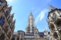 Czerep Nowy urząd miasta Monachium, Niemcy zdjęcia stock