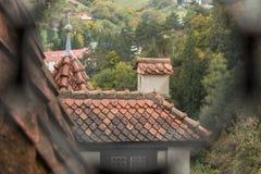 Czerep Otrębiasty kasztel Widok przez luki kratownica w okno wieża obserwacyjna kasztel otręby kasztel Zdjęcie Stock