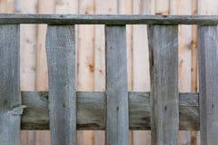 czerep palika ogrodzenie przeciw ścianie z deski Obrazy Stock