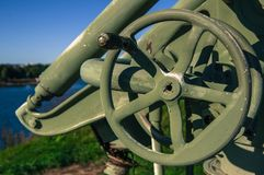 Czerep przeciwlotniczy pistolet na tle niebo Fotografia Royalty Free