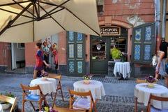 czerep stara Lviv ulica, kawiarnia fotografia royalty free