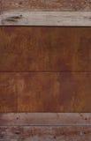 Czerep stary drewno ścienny i ośniedziały metal Zdjęcia Royalty Free