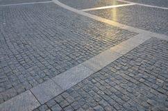 Czerep uliczny kwadrat, fałdowy z szarego kwadratowego pavin Zdjęcia Royalty Free