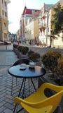 czerep wygodna Kijowska ulica, uliczna kawiarnia Fotografia Stock