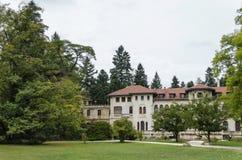 Czerep wznawiający Vrana pałac w Krajowym zabytku krajobrazowej architektury park muzealny Vrana w poprzednim czasu pałac królews Obraz Stock