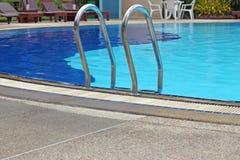 czerepu drabinowa basenu woda Fotografia Stock