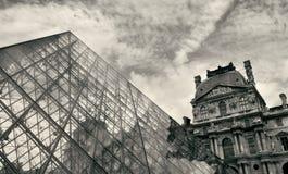 czerepu louvre muzeum ostrosłup zdjęcia royalty free
