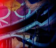 Czerepy graffiti i Nalewająca farba na ścianie obrazy stock