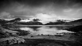 czernić krajobrazowego biel Zdjęcie Royalty Free