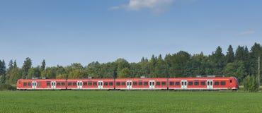 czerwień pociąg zdjęcia royalty free
