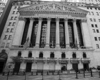 CZERWIEC 7, 2018 New York Stock Exchange Exerior z USA Zaznacza - jak widzieć kolumny Federacyjny Hall - Nowy Jork, Nowy Jork, us zdjęcia royalty free