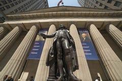 CZERWIEC 7, 2018 New York Stock Exchange Exerior z USA Zaznacza - jak widzieć kolumny Federacyjny Hall - Nowy Jork, Nowy Jork, us obrazy stock