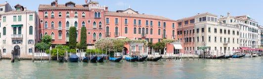 Czerwiec 2017 Wenecja, Włochy Panorama gondole na kanał grande Obraz Stock