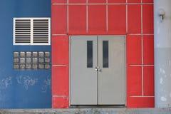 czerwieni drzwiowa ściana Obraz Stock
