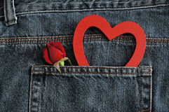 Czerwieni róża z czerwonym sercem Obraz Stock