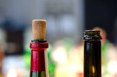 czerwoną butelkę białego wina Fotografia Royalty Free