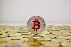 Czerwona bitcoin moneta Fotografia Stock