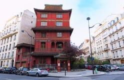 Czerwona Chińska pagoda w Paryż w osiem okręg, Francja Zdjęcia Stock