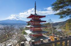 Czerwona Chureito pagoda, Fuji i Obrazy Stock