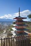 Czerwona Chureito pagoda, Fuji i Obrazy Royalty Free