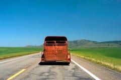 czerwona ciężarówka zardzewiała Zdjęcia Royalty Free