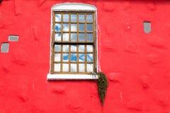 czerwona ściana okien Obraz Stock