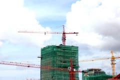 Czerwona Dźwigowa budynek budowa obraz royalty free