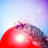 Czerwona 3D piłka wybuchał w kawałki Obraz Stock