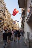 Czerwona fura w Istanbuł obraz stock