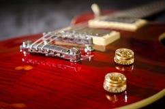 Czerwona gitara elektryczna Obrazy Royalty Free