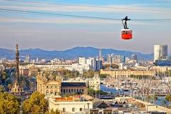 Czerwona kabina cableway stoi out na Barcelona porcie Zdjęcie Royalty Free