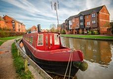 Czerwona kanałowa łódź Fotografia Royalty Free