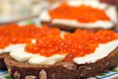 czerwona kawior kanapka zdjęcie royalty free