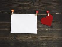 Czerwona Kierowa kartka z pozdrowieniami zapasu fotografia fotografia royalty free