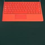 Czerwona Komputerowa laptop klawiatura na czarnym tle Zdjęcia Royalty Free