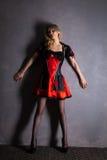 Czerwona królowa cosplay - ładna młoda kobieta Obraz Royalty Free