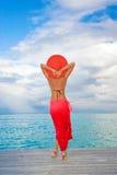 czerwona kurortu sarongów kobieta obraz royalty free