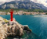 Czerwona latarnia morska Makarska obraz stock