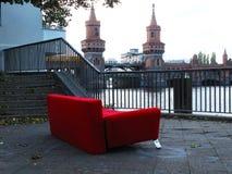 Czerwona leżanka w Berlin 2014 zdjęcie stock