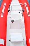 Czerwona nadmuchiwana łódź Obrazy Royalty Free