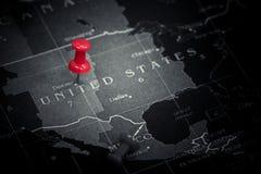 Czerwona pchnięcie szpilka na Stany Zjednoczone America mapa Zdjęcia Stock