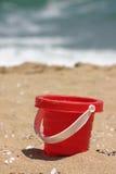 czerwona plażowa piasek zabawka Obrazy Stock
