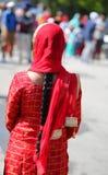 czerwona przesłona Indiańska kobieta z czarni włosy fotografia stock