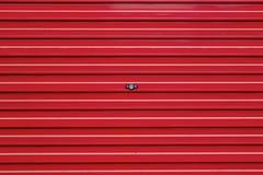 Czerwona rolkowa żaluzja Zdjęcia Royalty Free