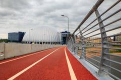 Czerwona rower ścieżka w St Petersburg blisko stadium zdjęcia stock