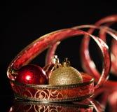Czerwona sfera z faborkiem obrazy royalty free