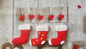 Czerwona skarpety dekoracja Ciastka obraz stock